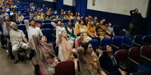 grihalakshmi-film-sahaja-yoga-7