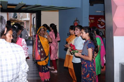 palanpur-gujrat-grihalakshmi-16